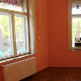 Kiadó  iroda (<span class='notranslate'>Budapest, XI.  </span>kerület) 350 E   <span class='notranslate'>Ft</span>/hó