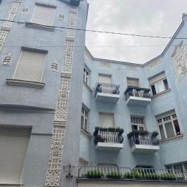 Eladó  téglalakás (<span class='notranslate'>Budapest, VI.  </span>kerület) 43,9 M   <span class='notranslate'>Ft</span>