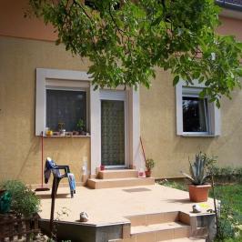 Eladó  családi ház (<span class='notranslate'>Budakeszi</span>, <span class='notranslate'>Barackos</span>) 57,4 M   <span class='notranslate'>Ft</span>
