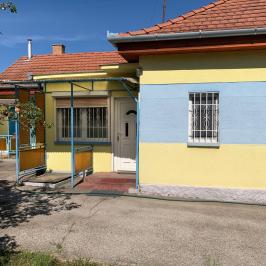 Eladó  családi ház (<span class='notranslate'>Szigethalom</span>, <span class='notranslate'>Központ</span>) 32,8 M   <span class='notranslate'>Ft</span>