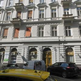 Kiadó  téglalakás (<span class='notranslate'>Budapest, VI.  </span>kerület) 140 E   <span class='notranslate'>Ft</span>/hó