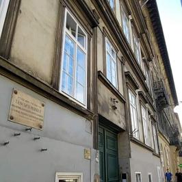 Eladó  téglalakás (<span class='notranslate'>Budapest, IX.  </span>kerület) 37,5 M   <span class='notranslate'>Ft</span>