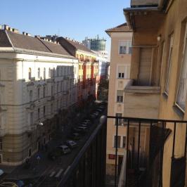 Kiadó  téglalakás (<span class='notranslate'>Budapest, XIII.  </span>kerület) 200 E   <span class='notranslate'>Ft</span>/hó +ÁFA