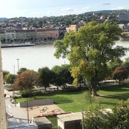 Kiadó  téglalakás (<span class='notranslate'>Budapest, V.  </span>kerület) 140 E   <span class='notranslate'>Ft</span>/hó