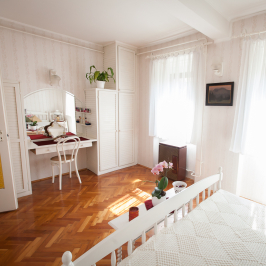 Eladó  családi ház (<span class='notranslate'>Békéscsaba</span>, <span class='notranslate'>Békéscsaba-Belváros</span>) 34,9 M   <span class='notranslate'>Ft</span>