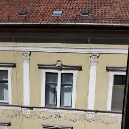Kiadó  téglalakás (<span class='notranslate'>Budapest, VI.  </span>kerület) 160 E   <span class='notranslate'>Ft</span>/hó
