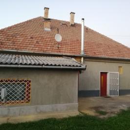 Eladó  családi ház (<span class='notranslate'>Tóalmás</span>, <span class='notranslate'></span>) 27,9 M   <span class='notranslate'>Ft</span>
