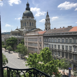 Kiadó  téglalakás (<span class='notranslate'>Budapest, VI.  </span>kerület) 120 E   <span class='notranslate'>Ft</span>/hó