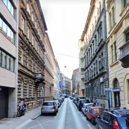 Eladó  téglalakás (<span class='notranslate'>Budapest, V.  </span>kerület) 51,9 M   <span class='notranslate'>Ft</span>