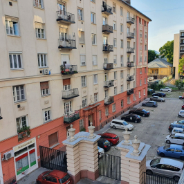 Eladó  téglalakás (<span class='notranslate'>Budapest, VII.  </span>kerület) 69,9 M   <span class='notranslate'>Ft</span>