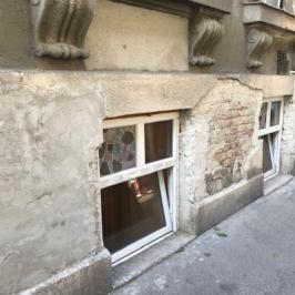 Kiadó  raktár (<span class='notranslate'>Budapest, VII.  </span>kerület) 150 E   <span class='notranslate'>Ft</span>/hó