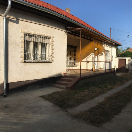 Eladó  családi ház (<span class='notranslate'>Szarvas</span>, <span class='notranslate'></span>) 22,5 M   <span class='notranslate'>Ft</span>