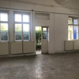 Kiadó  raktár (<span class='notranslate'>Budapest, XI.  </span>kerület) 921,99 E   <span class='notranslate'>Ft</span>/hó +ÁFA