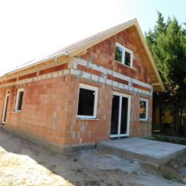 Eladó  családi ház (<span class='notranslate'>Veresegyház</span>, <span class='notranslate'>Tópart</span>) 62.9 M   <span class='notranslate'>Ft</span>