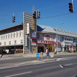 Kiadó  üzlethelyiség üzletházban (<span class='notranslate'>Budapest, III.  </span>kerület) 141,81 E   <span class='notranslate'>Ft</span>/hó +ÁFA