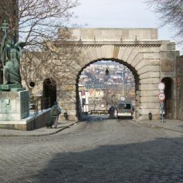 Eladó  téglalakás (<span class='notranslate'>Budapest, II.  </span>kerület) 89,9 M   <span class='notranslate'>Ft</span>
