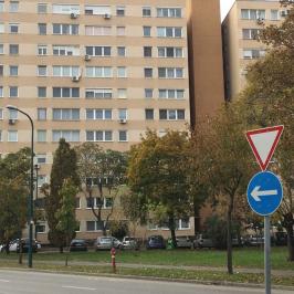 Eladó  panellakás (<span class='notranslate'>Budapest, XIV.  </span>kerület) 26.4 M   <span class='notranslate'>Ft</span>