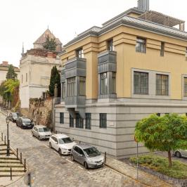 Eladó  téglalakás (<span class='notranslate'>Budapest, I.  </span>kerület) 90 M   <span class='notranslate'>Ft</span>