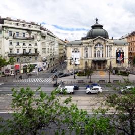 Eladó  téglalakás (<span class='notranslate'>Budapest, V.  </span>kerület) 177 M   <span class='notranslate'>Ft</span>