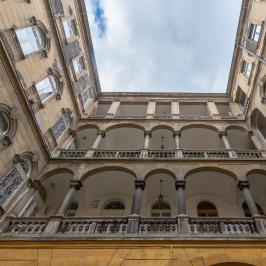 Eladó  téglalakás (<span class='notranslate'>Budapest, IX.  </span>kerület) 46,9 M   <span class='notranslate'>Ft</span>