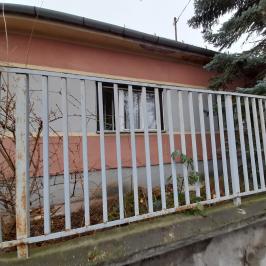 Eladó  családi ház (<span class='notranslate'>Budapest, XVIII.  </span>kerület) 44,99 M   <span class='notranslate'>Ft</span>