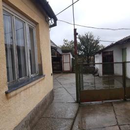 Eladó  családi ház (<span class='notranslate'>Paks</span>, <span class='notranslate'>Óváros</span>) 25,9 M   <span class='notranslate'>Ft</span>
