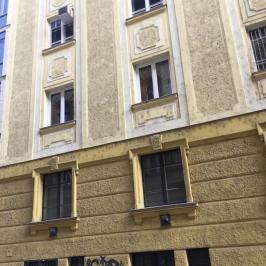 Eladó  téglalakás (<span class='notranslate'>Budapest, VIII.  </span>kerület) 45,9 M   <span class='notranslate'>Ft</span>