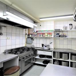 Eladó  melegkonyhás vendéglátóegység (<span class='notranslate'>Budapest, V.  </span>kerület) 11,5 M   <span class='notranslate'>Ft</span>