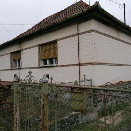 Eladó  családi ház (<span class='notranslate'>Bátor</span>, <span class='notranslate'></span>) 5.4 M   <span class='notranslate'>Ft</span>