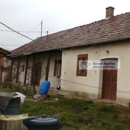 Eladó  családi ház (<span class='notranslate'>Tomor</span>, <span class='notranslate'></span>) 4,7 M   <span class='notranslate'>Ft</span>