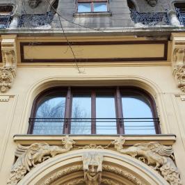 Kiadó  téglalakás (<span class='notranslate'>Budapest, V.  </span>kerület) 120 E   <span class='notranslate'>Ft</span>/hó