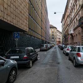 Eladó  téglalakás (<span class='notranslate'>Budapest, VII.  </span>kerület) 49 M   <span class='notranslate'>Ft</span>