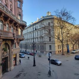 Eladó  téglalakás (<span class='notranslate'>Budapest, V.  </span>kerület) 49,8 M   <span class='notranslate'>Ft</span>