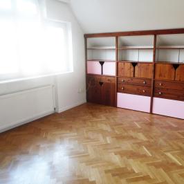 Kiadó  téglalakás (<span class='notranslate'>Budapest, XI.  </span>kerület) 600 E   <span class='notranslate'>Ft</span>/hó