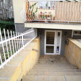 Eladó  üzlethelyiség utcai bejáratos (<span class='notranslate'>Budapest, XIV.  </span>kerület) 41,9 M   <span class='notranslate'>Ft</span>