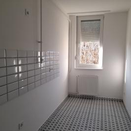 Eladó  panellakás (<span class='notranslate'>Budapest, XVIII.  </span>kerület) 29,9 M   <span class='notranslate'>Ft</span>