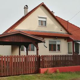 Eladó  családi ház (<span class='notranslate'>Veresegyház</span>, <span class='notranslate'>Táborhely</span>) 54,9 M   <span class='notranslate'>Ft</span>