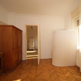 Kiadó  téglalakás (<span class='notranslate'>Budapest, II.  </span>kerület) 140 E   <span class='notranslate'>Ft</span>/hó