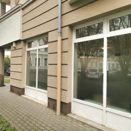 Kiadó  üzlethelyiség utcai bejáratos (<span class='notranslate'>Orosháza</span>, <span class='notranslate'>Belváros</span>) 220 E   <span class='notranslate'>Ft</span>/hó +ÁFA