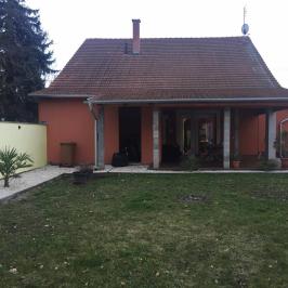 Eladó  családi ház (<span class='notranslate'>Békéscsaba</span>, <span class='notranslate'>Békéscsaba-Belváros közeli</span>) 57,9 M   <span class='notranslate'>Ft</span>