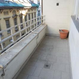 Eladó  téglalakás (<span class='notranslate'>Budapest, V.  </span>kerület) 99 M   <span class='notranslate'>Ft</span>