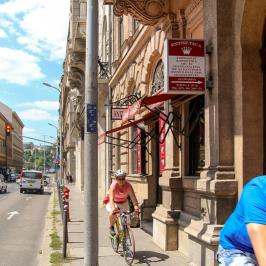 Eladó  téglalakás (<span class='notranslate'>Budapest, V.  </span>kerület) 50,5 M   <span class='notranslate'>Ft</span>