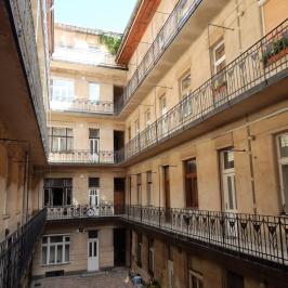 Kiadó  téglalakás (<span class='notranslate'>Budapest, XI.  </span>kerület) 115 E   <span class='notranslate'>Ft</span>/hó
