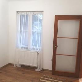 Eladó  családi ház (<span class='notranslate'>Budapest, XV.  </span>kerület) 45 M   <span class='notranslate'>Ft</span>