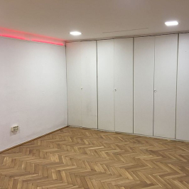 Kiadó  iroda (<span class='notranslate'>Budapest, VI.  </span>kerület) 300 E   <span class='notranslate'>Ft</span>/hó