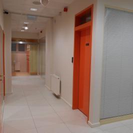 Eladó  üzlethelyiség utcai bejáratos (<span class='notranslate'>Budapest, VII.  </span>kerület) 339 M   <span class='notranslate'>Ft</span>