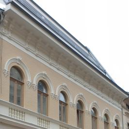 Eladó  téglalakás (<span class='notranslate'>Budapest, IX.  </span>kerület) 62,5 M   <span class='notranslate'>Ft</span>