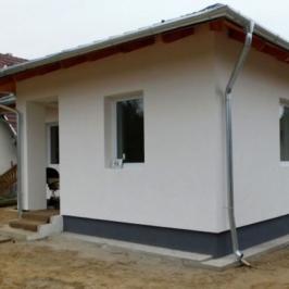 Eladó  családi ház (<span class='notranslate'>Erdőkertes</span>, <span class='notranslate'></span>) 52,9 M   <span class='notranslate'>Ft</span>