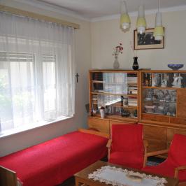 Eladó  családi ház (<span class='notranslate'>Tata</span>, <span class='notranslate'>Tóváros</span>) 38 M   <span class='notranslate'>Ft</span>