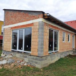 Eladó  családi ház (<span class='notranslate'>Pécs</span>, <span class='notranslate'>Rózsadomb</span>) 28 M   <span class='notranslate'>Ft</span>